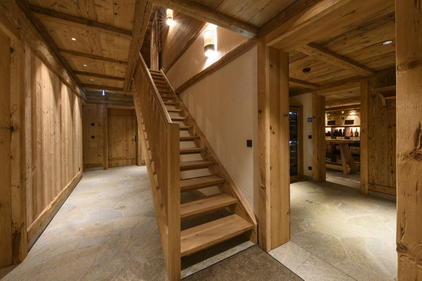 Exclusive mountain lodge Gauertal Montafon - corridoor