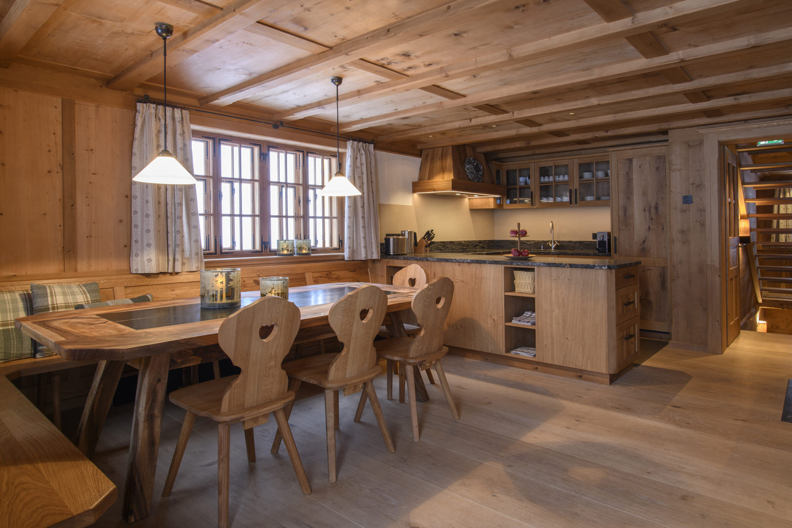 Exclusive mountain lodge Gauertal Montafon - eat-in kitchen