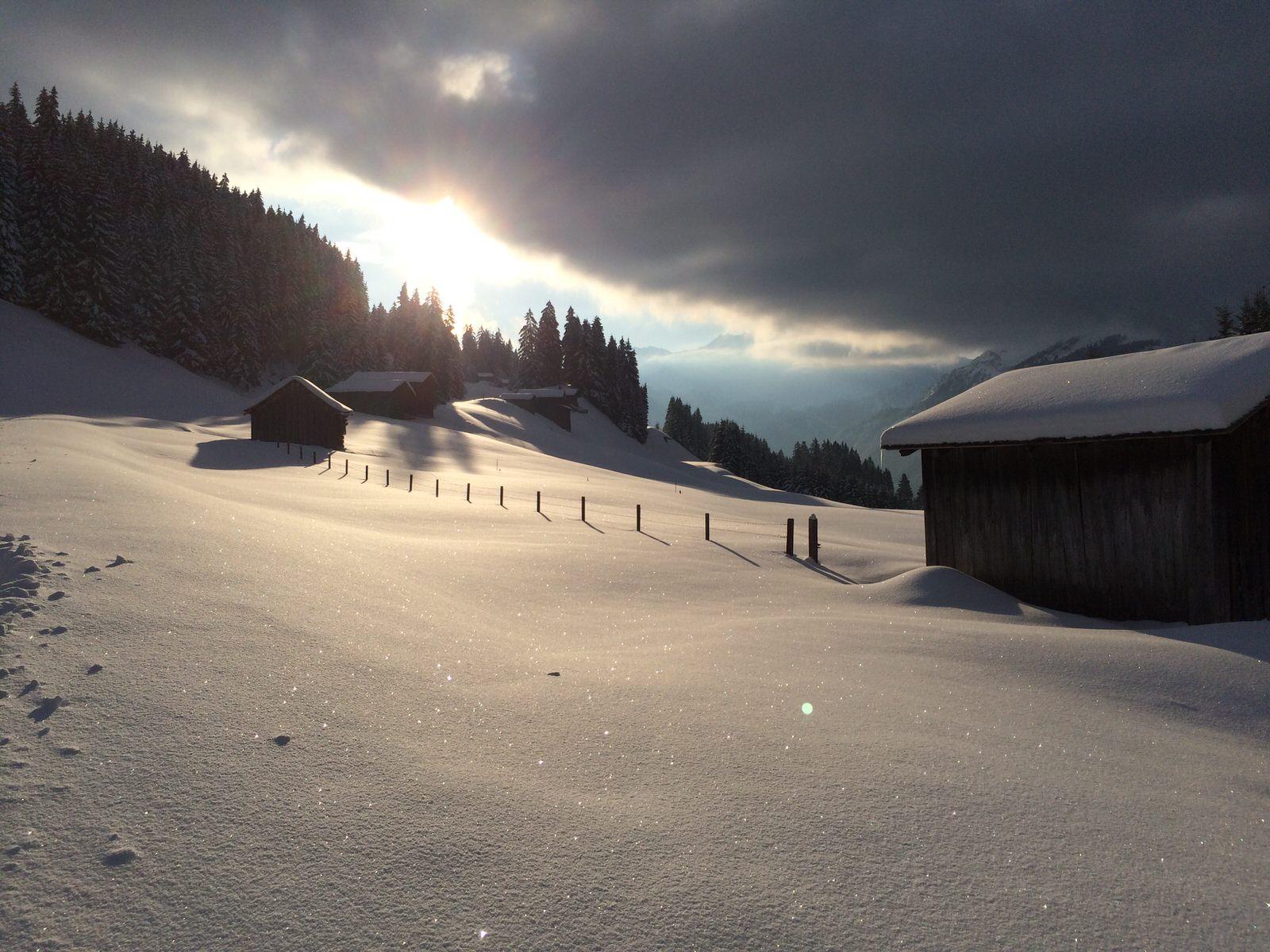 Mountain lodge Bartholomäberg winter in the Montafon - Fritzasee