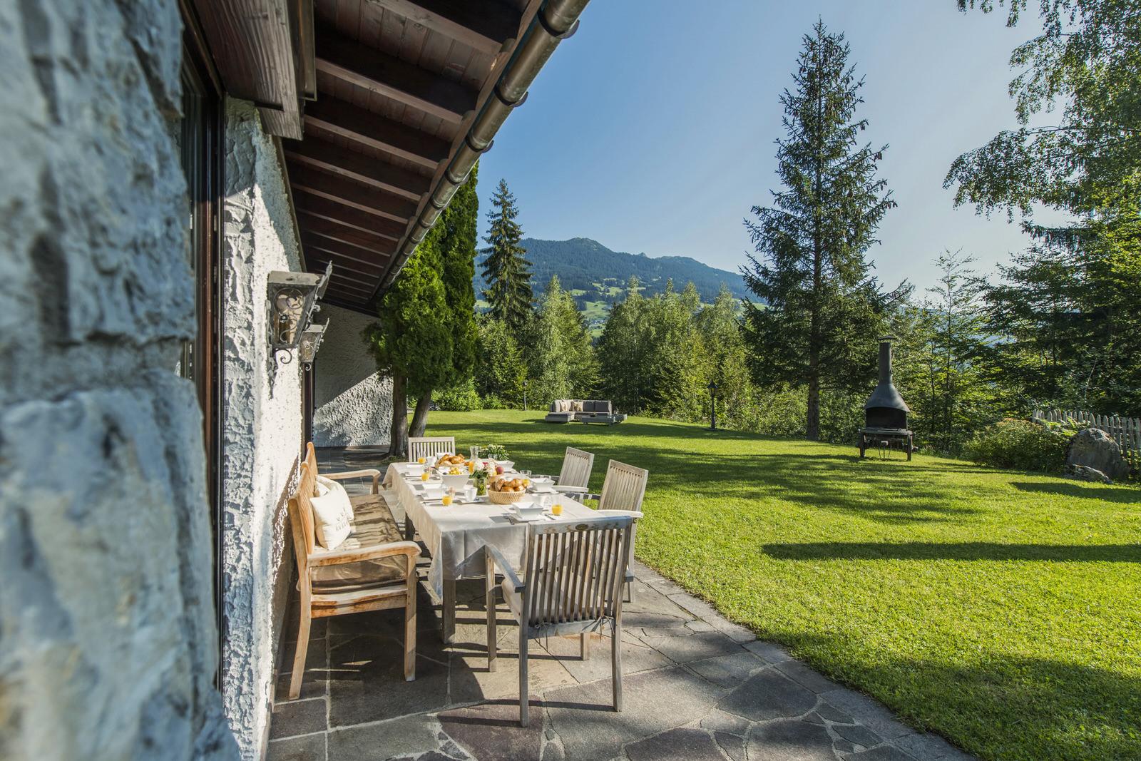Waldhaus Rappenkopf Tisch Montafon
