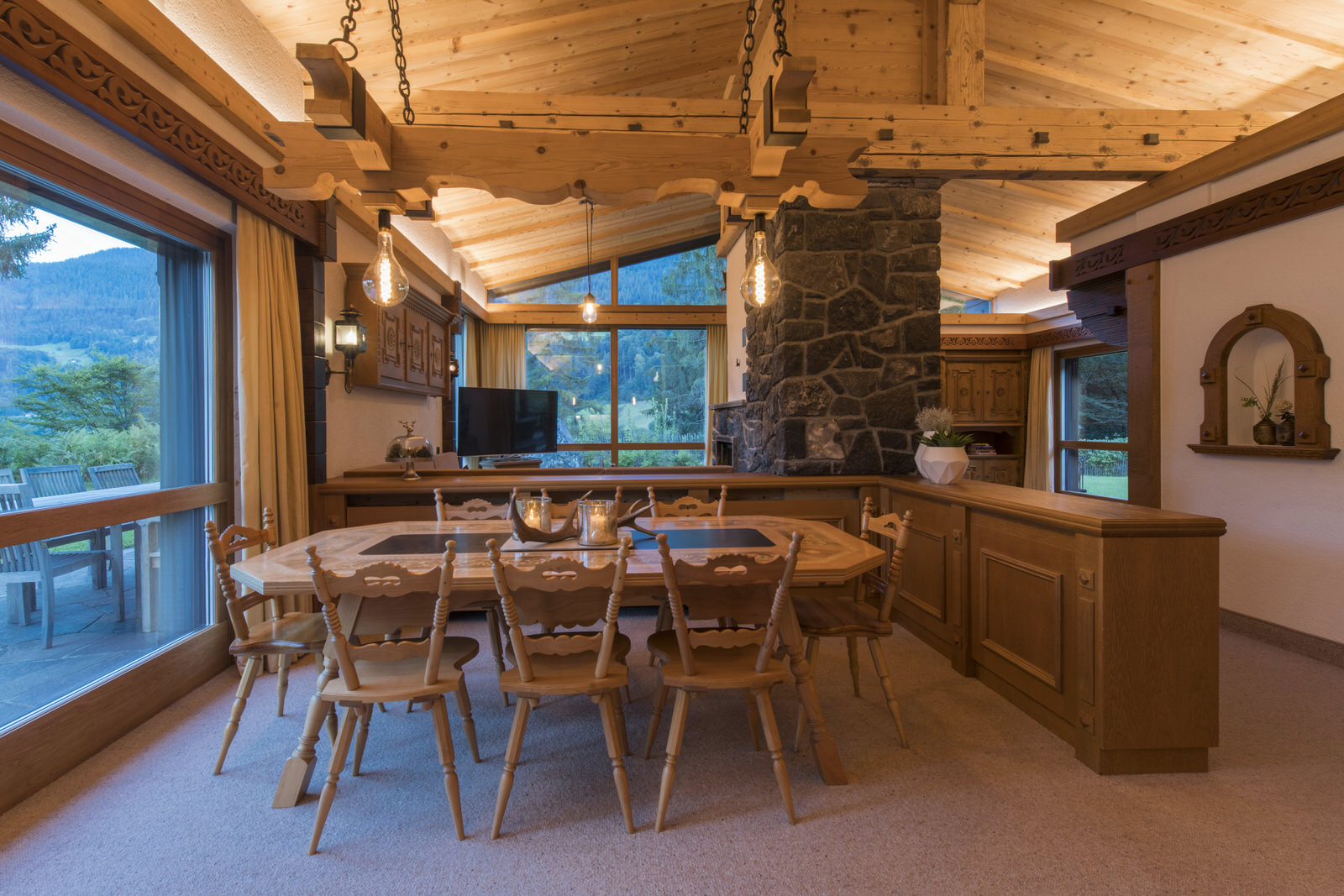 Rappakopf Forrest house in the Montafon - dining table