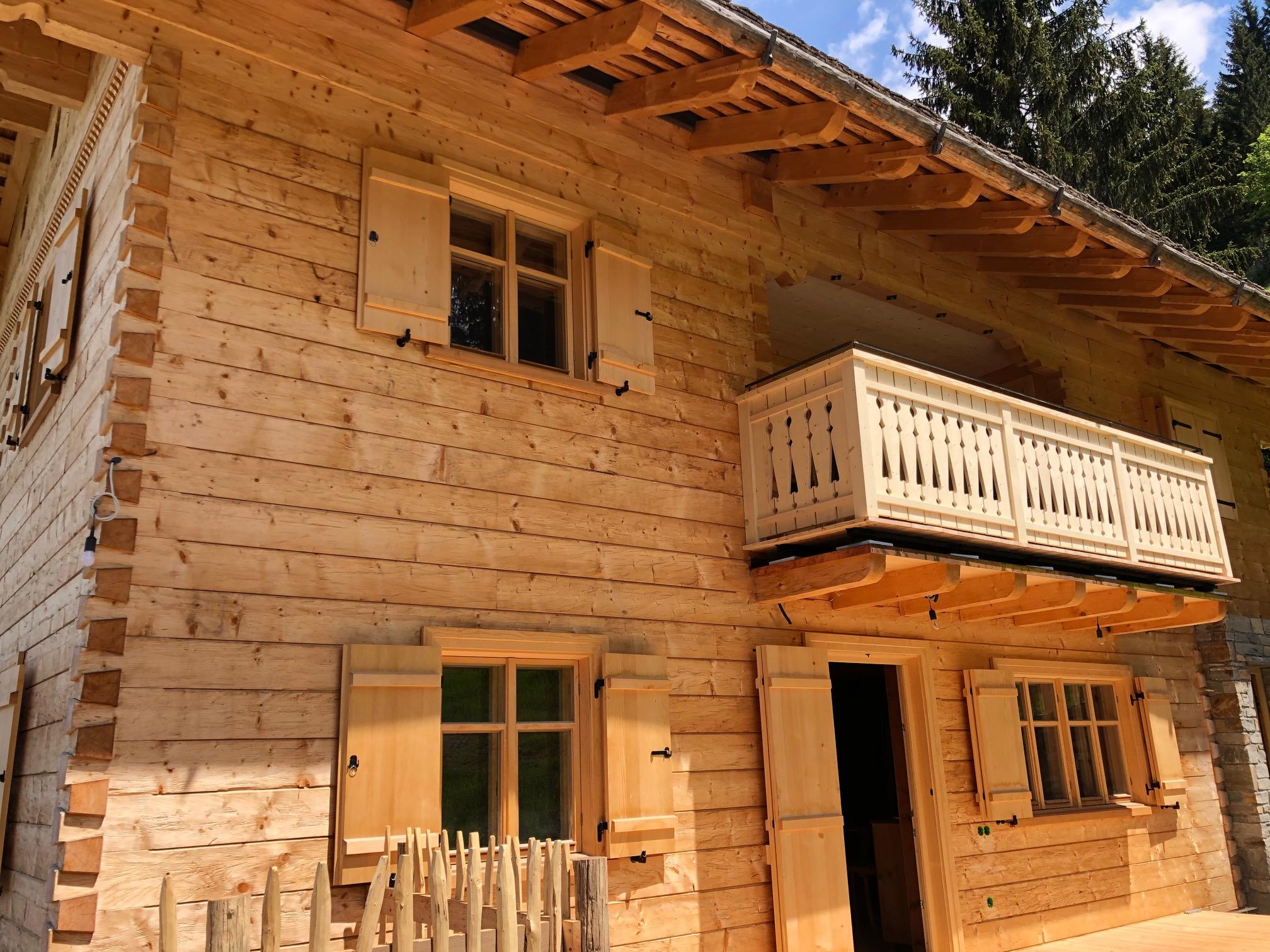 Berghaus Manuaf Aussenansicht Balkon