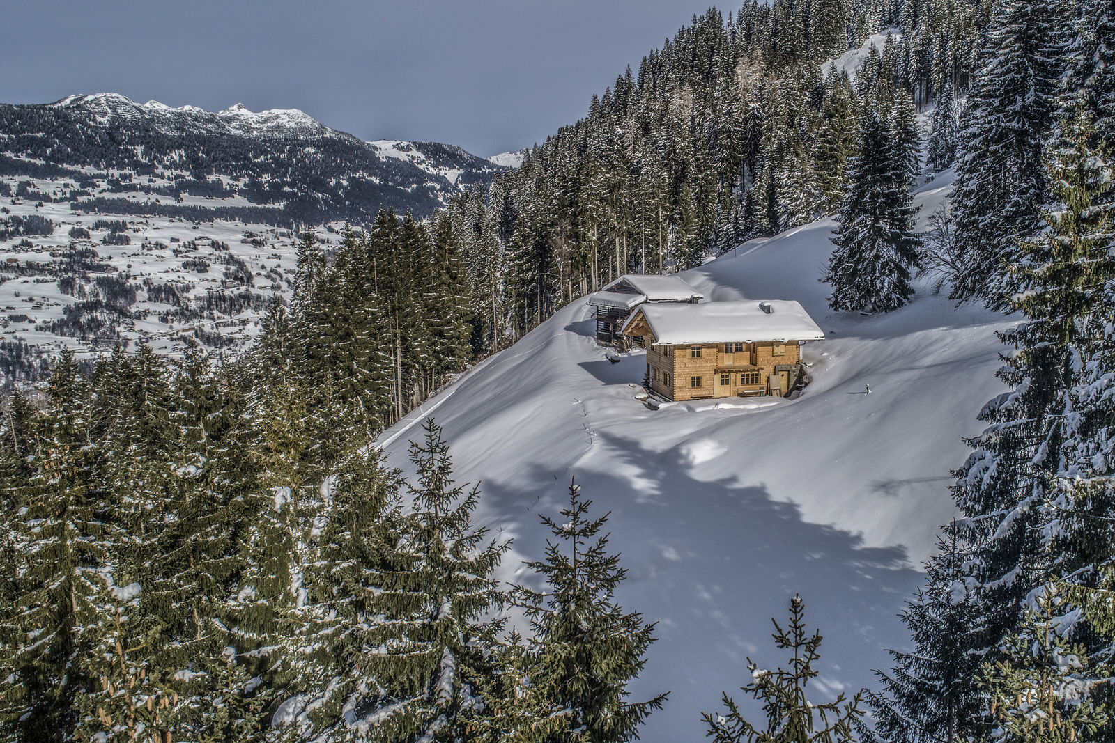 Mountain lodge Manuaf Gampadelstal in the Montafon - winter