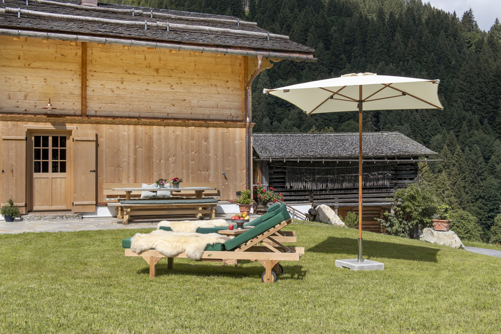 Exclusive mountain lodge Gauertal Montafon - deck chair