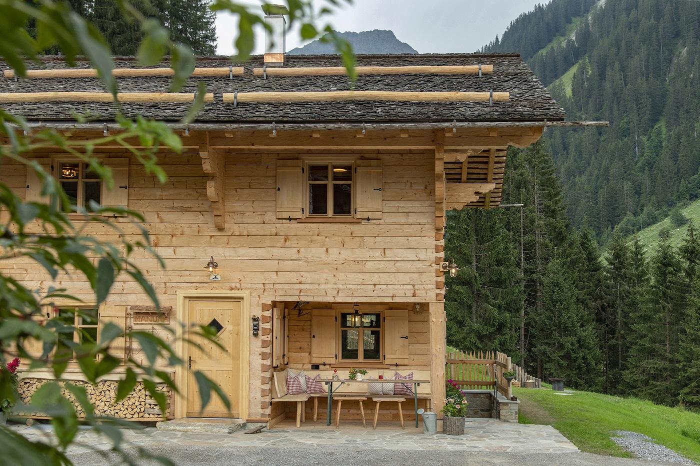 Mountain lodge Manuaf