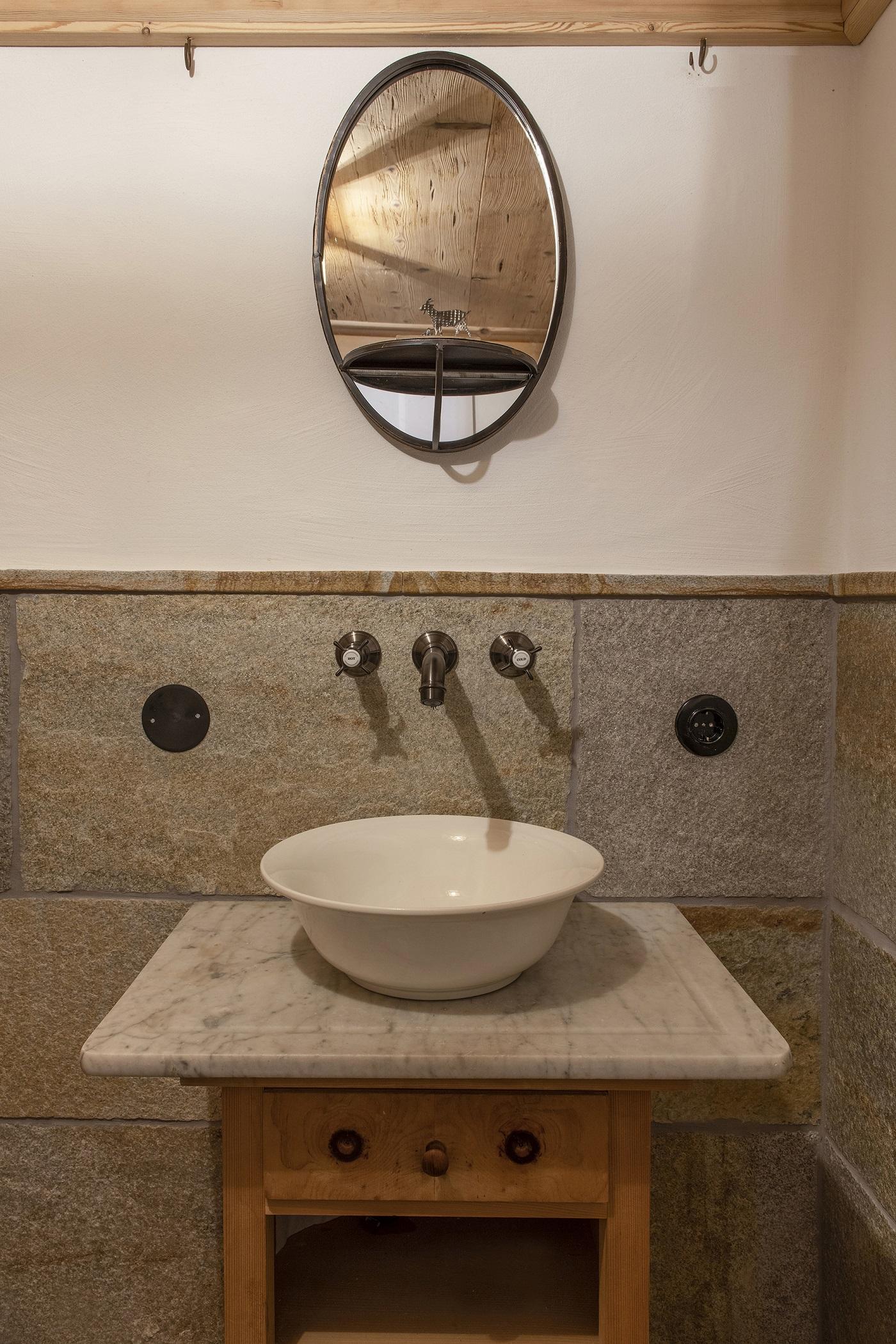 Berghaus Manuaf WC